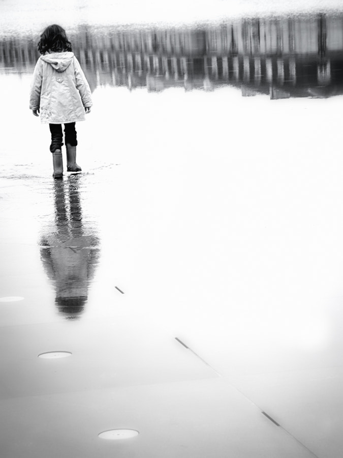 Walking on the mirror by Thierry BOITELLE on 500px