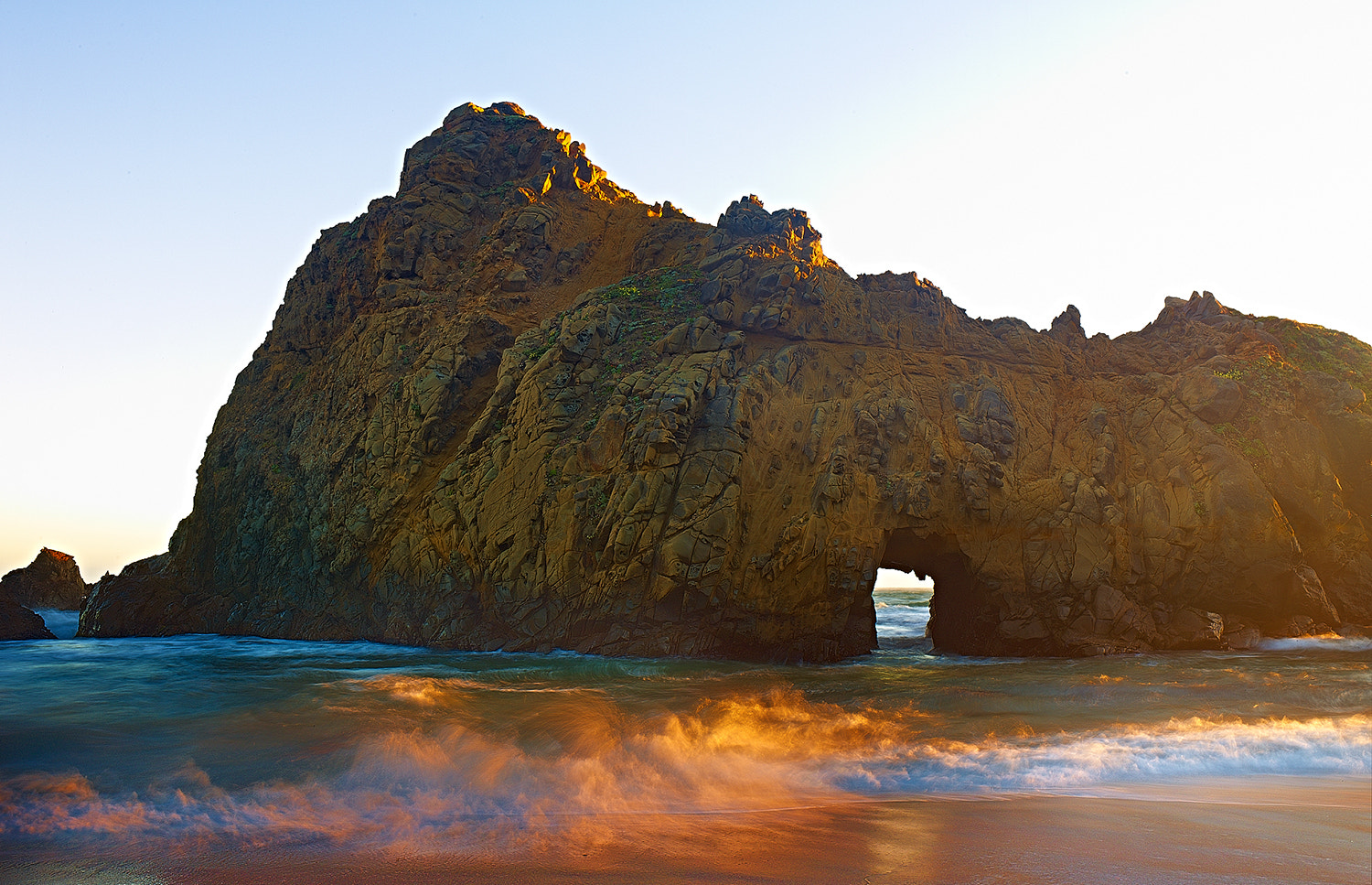 Photograph Pfeiffer Beach by Gabe Farnsworth on 500px