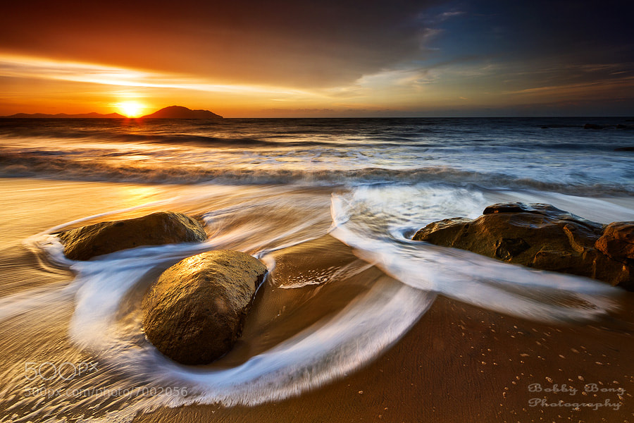 Photograph When the Sun Goes Down by Bobby Bong on 500px