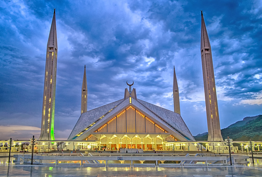 Faisal Mosque, Islamabad, Pakistan by Ali Mir on 500px.com