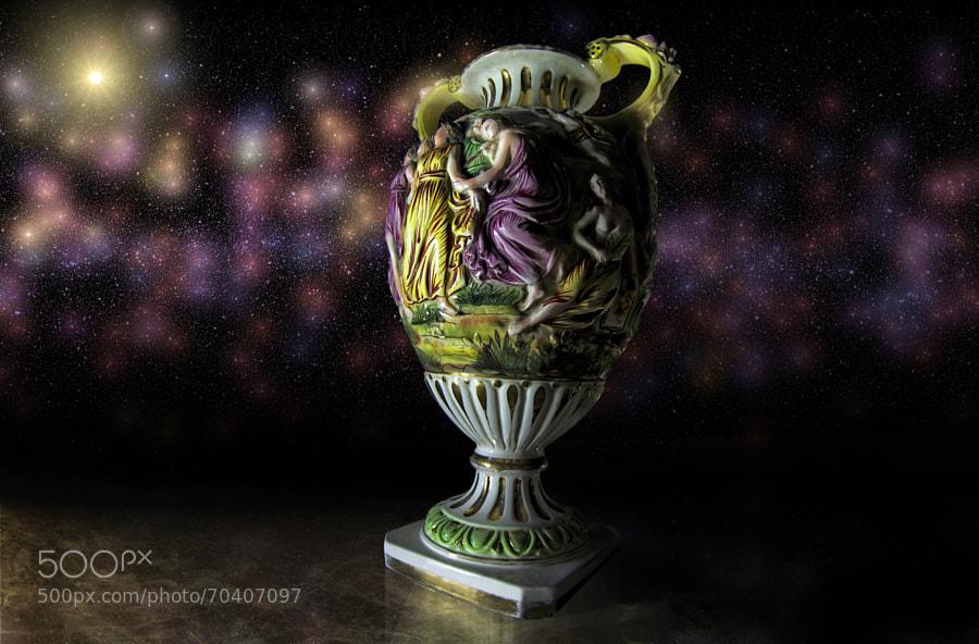 Old vase with 3d efect