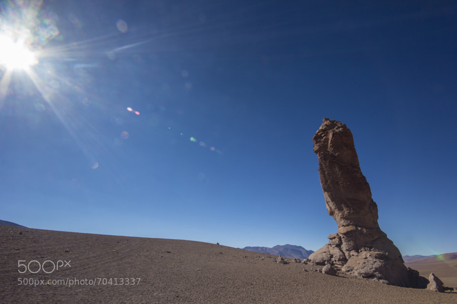 Rock sculpted by wind, 22m tall. Was named for looking like a large Andean Indian. Salar de Tara, Chile