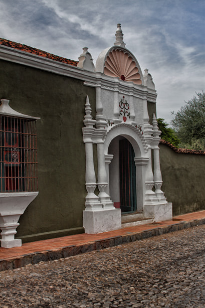 Photograph Old House entrance by Luis Elias Rodriguez on 500px