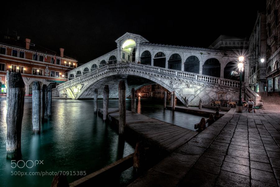 The Rialto Bridge in Venice. HDR Picture (5 takes +/- 1 stop)