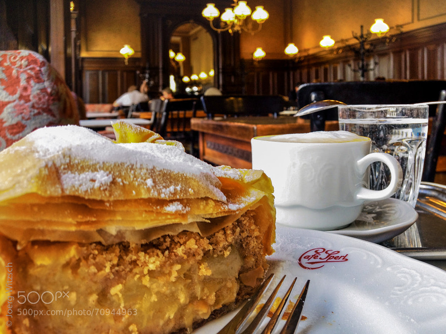 Photograph Applestrudel at Café Sperl by Joerg Witzsch on 500px