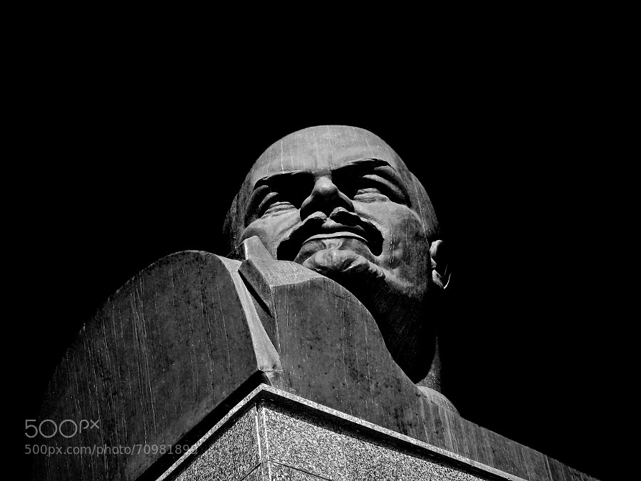 Photograph Monument V.I. Lenin in Khimki by Andrew Barkhatov on 500px