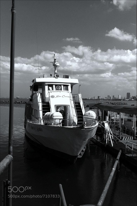 Photograph Manila Bay, Cultural Center by  Valdéz on 500px
