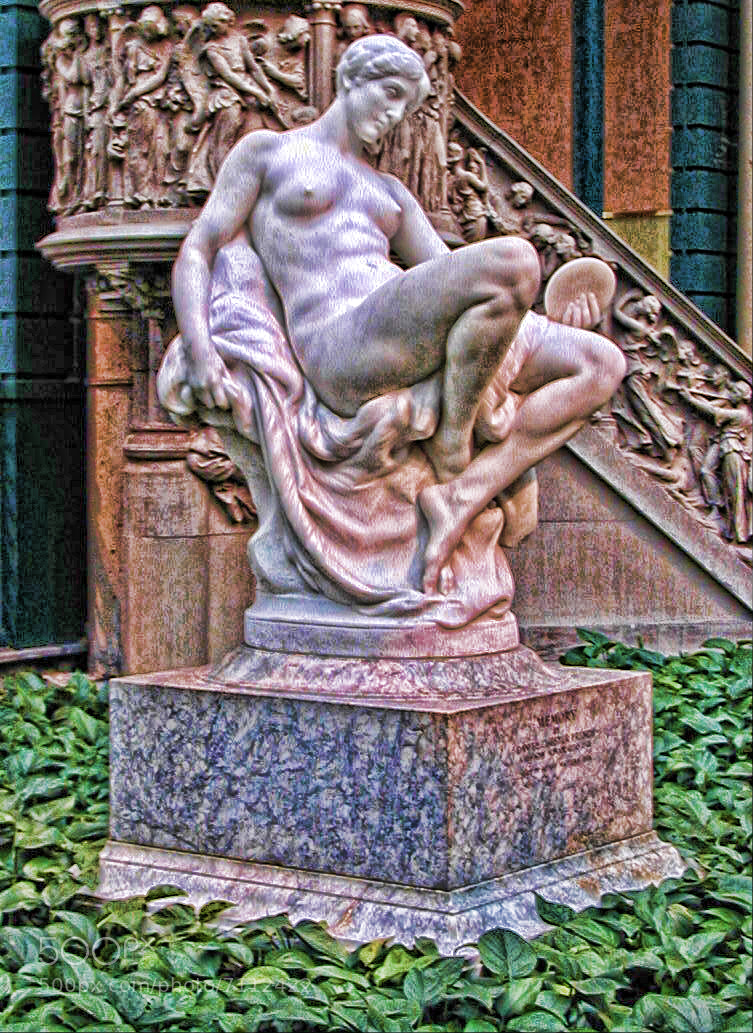 Photograph Met Statue by G.L. Roux on 500px