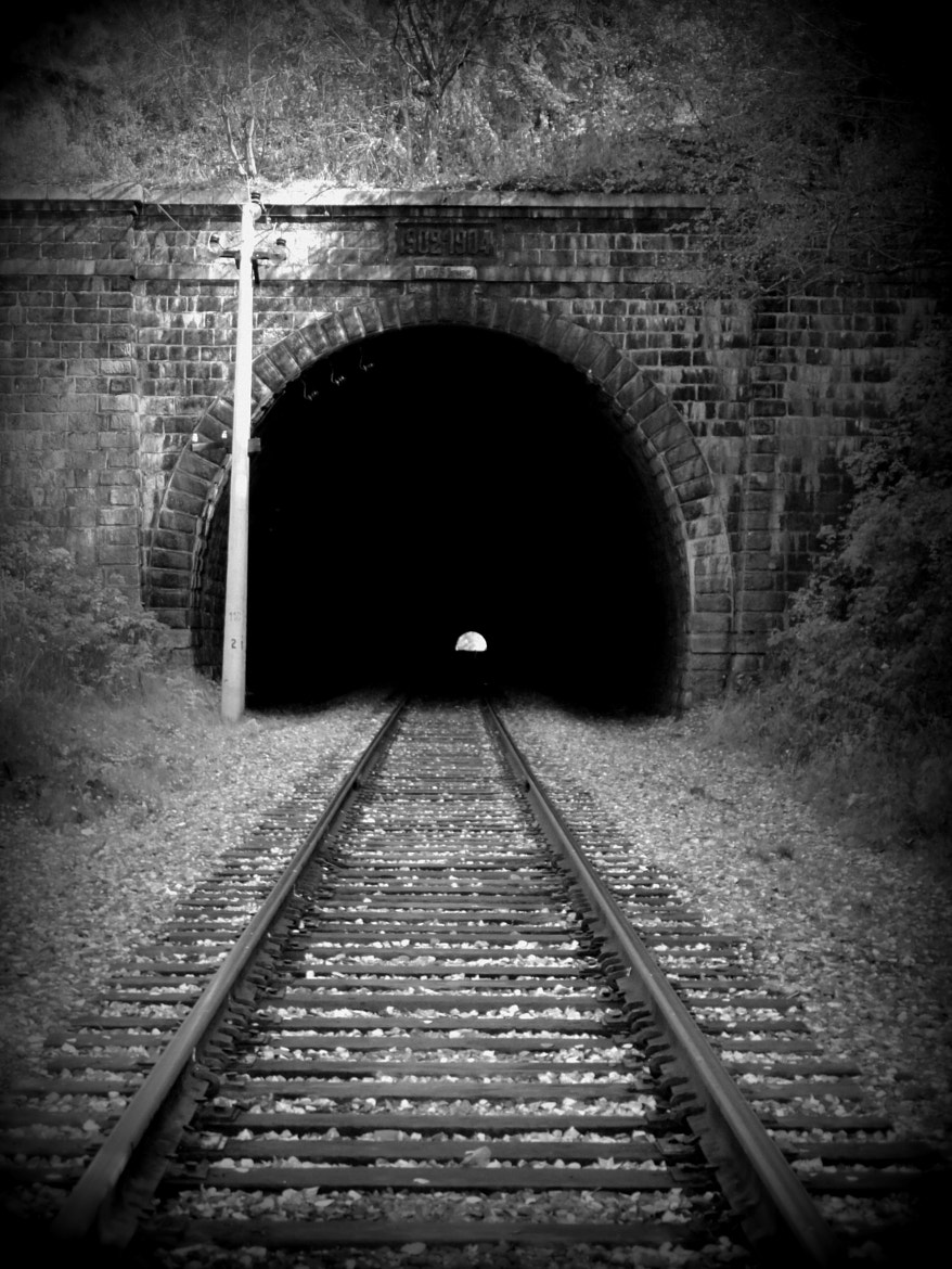 Photograph entrance to the tunnel by Tanya  on 500px