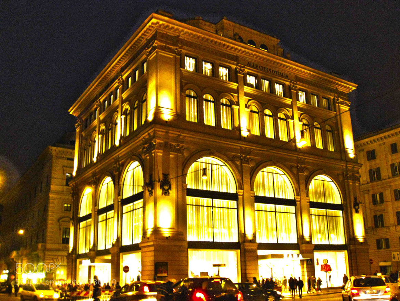 Photograph Zara by Inditex at Roma by Cristina Redondo on 500px