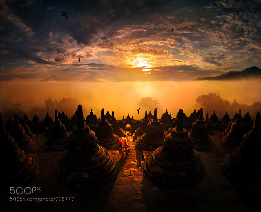 sunrise @ Borobudur by Weerapong Chaipuck (Weera)