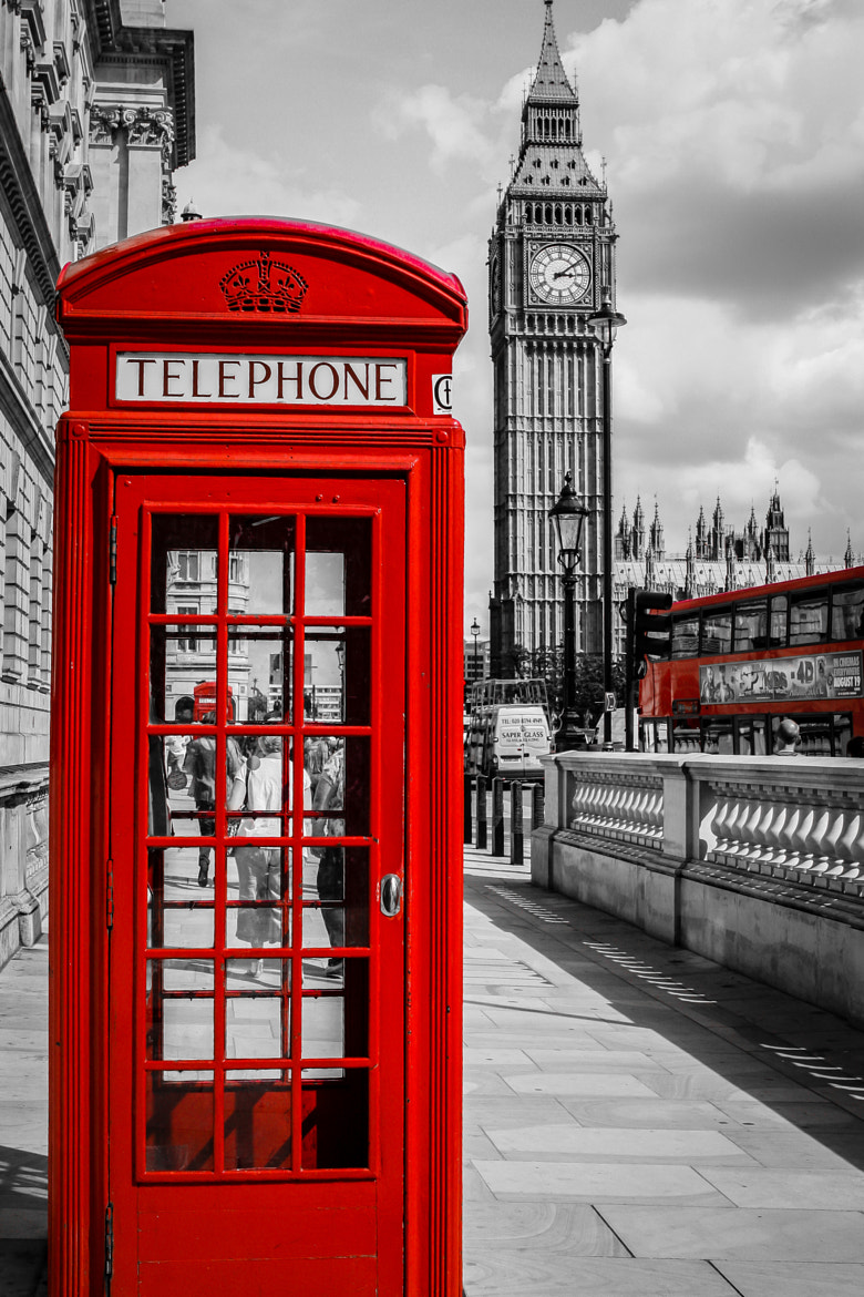 Photograph London Telephone Booth by Dyna Seng on 500px
