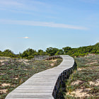 Постер, плакат: Curved Boardwalk to the Beach