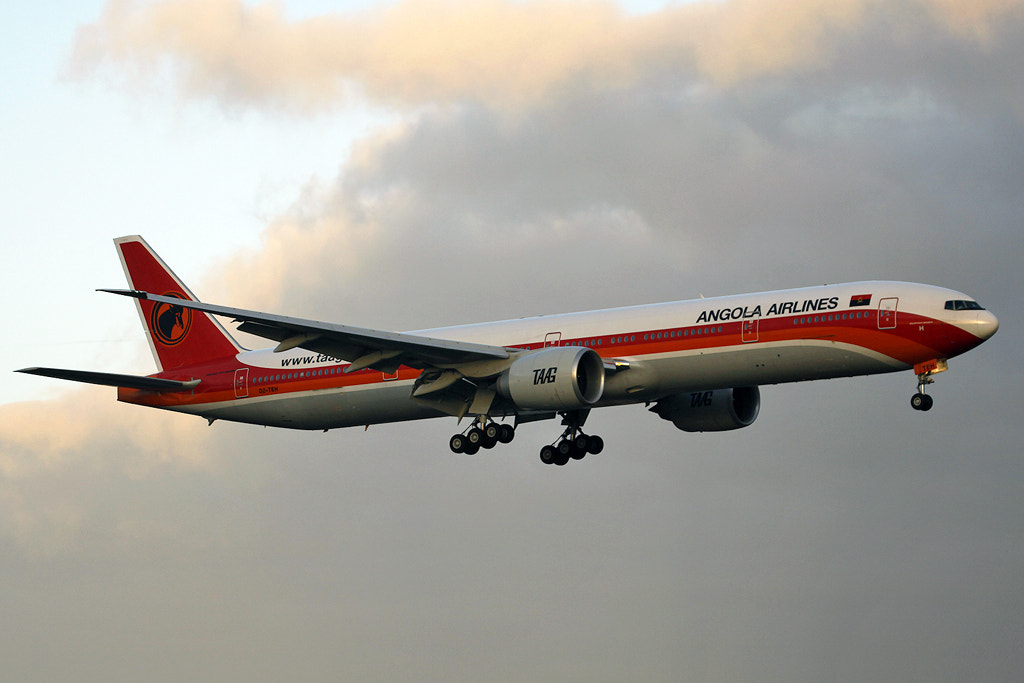 Photograph TAAG BOEING 777 by Eu Spotter on 500px