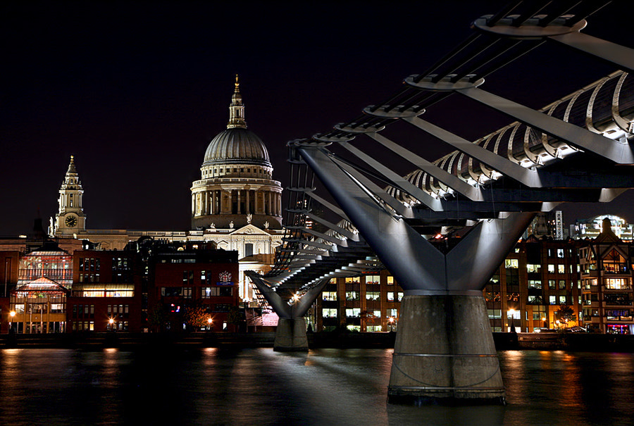 Photograph London at night by Klaus Wiese on 500px