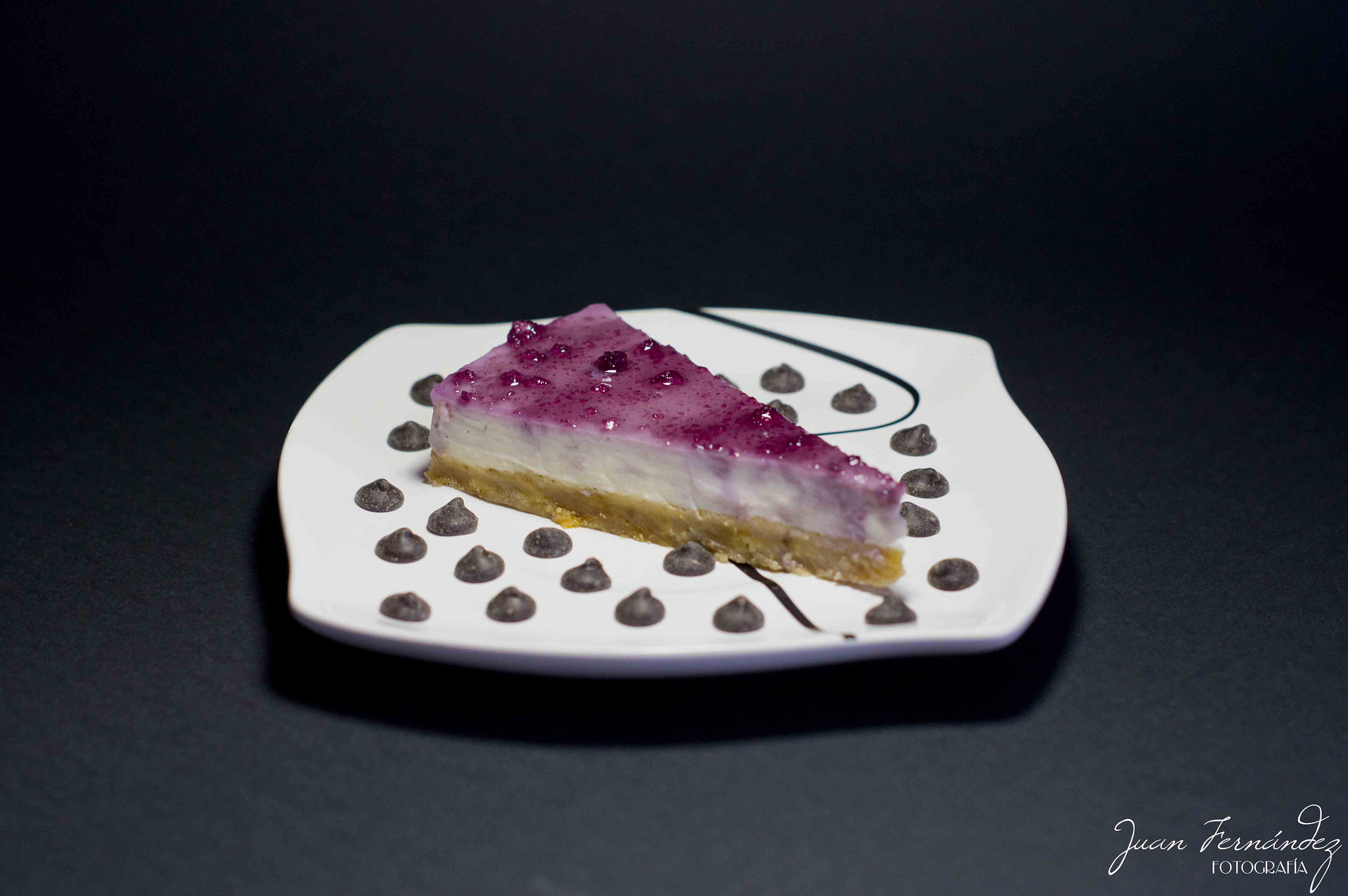 Photograph Cheesecake with blueberries by Juan Fernández García on 500px