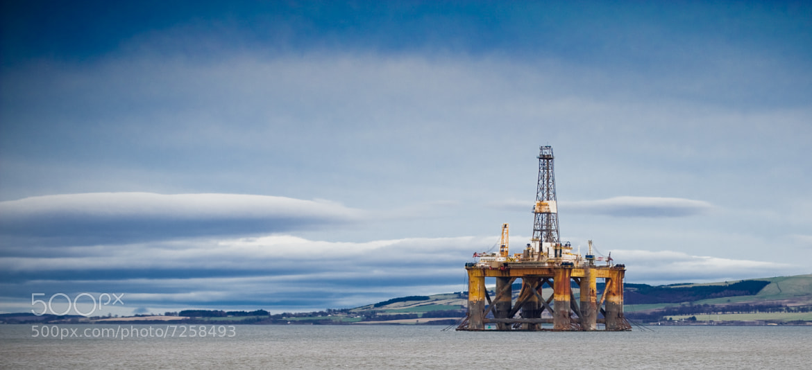 Photograph rig gone cold by Graeme Clark on 500px