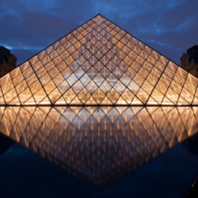 Pyramide du Louvre by François Paul  (franc34)) on 500px.com