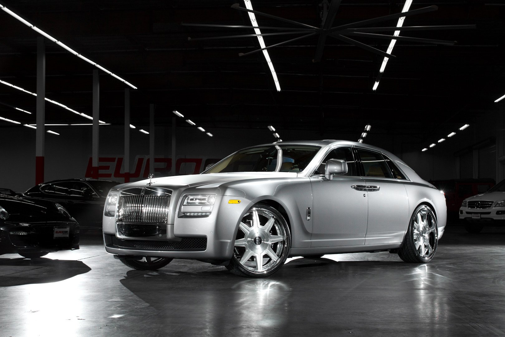 Photograph Rolls Royce Ghost by Philip Tieu on 500px