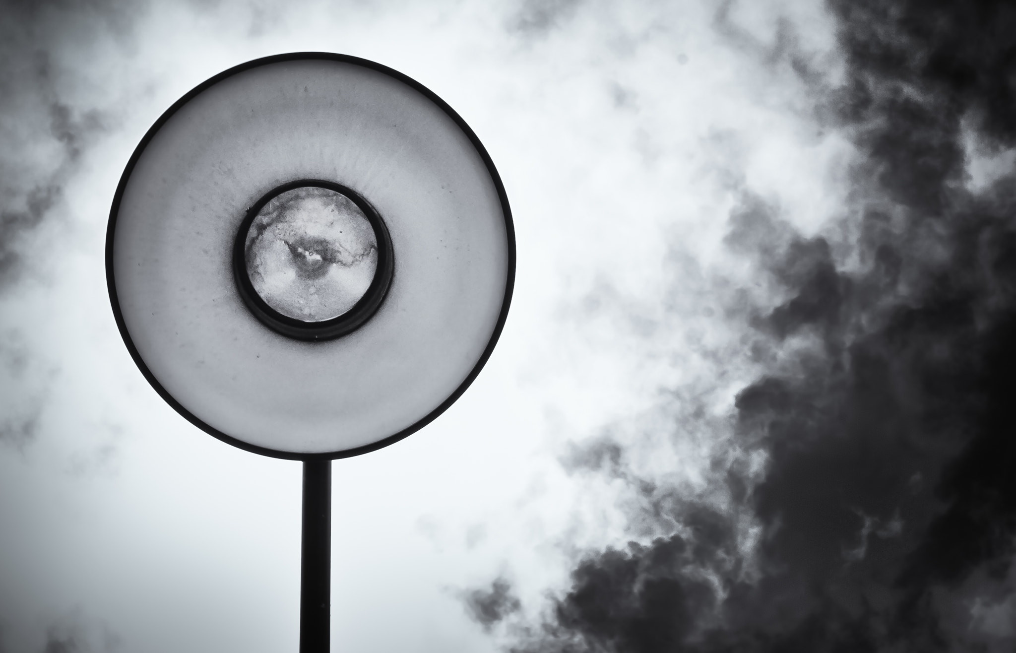 Photograph Street Light by Gabrielle Cordero on 500px