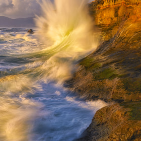 A wave at Cape Kiwanda by Gary Weathers (GaryJWeathers)) on 500px.com