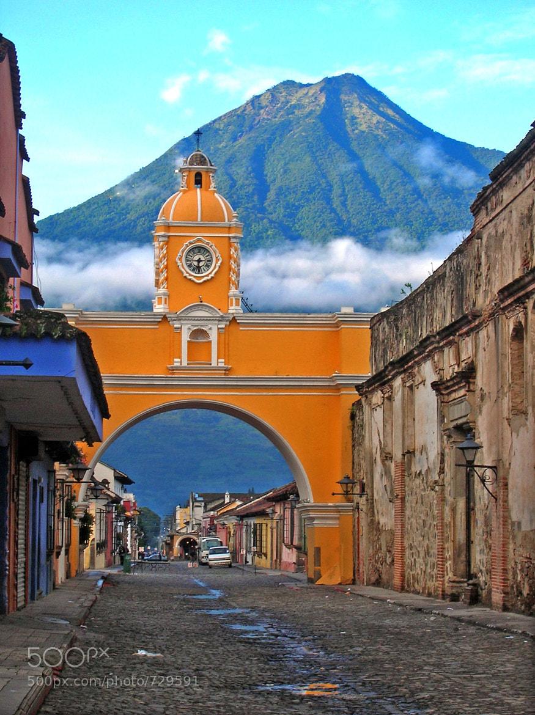 Photograph Santa Catalina Arch, Antigua, Guatemala by Dave Wilson on 500px