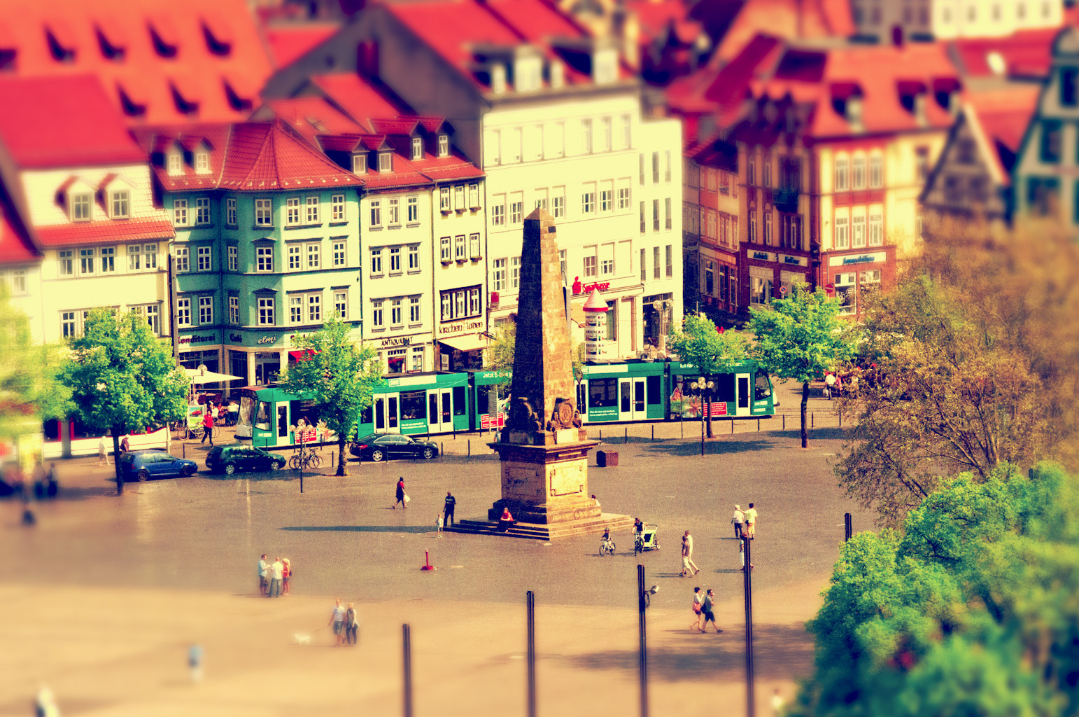 Photograph Model tram (Erfurt Cathedral Square.) by Felix W. Sch on 500px