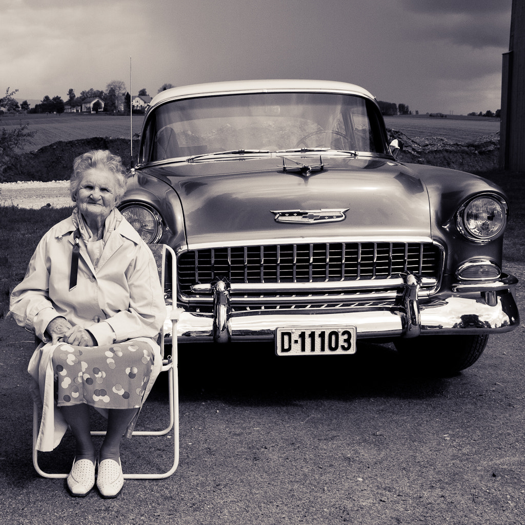 Photograph lady and car by Lars Kristian Kvåle on 500px