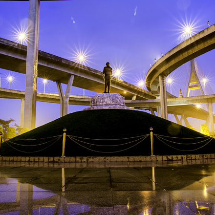 THe Bhumibol Bridge : Statue of Liberty