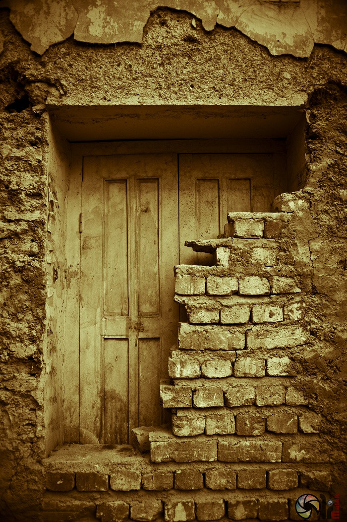 Photograph The Door VS Wall by Ali Malek on 500px