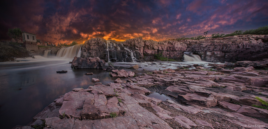 "Falls Park in Sioux Falls, South Dakota.  Prints - <a href=""http://homegroenphotography.com/"">HomeGroenPhotography.com</a>  Thanks for Liking!!! -->> <a href=""http://www.facebook.com/HomeGroenPhotography"">www.facebook.com/HomeGroenPhotography</a>   :-)"