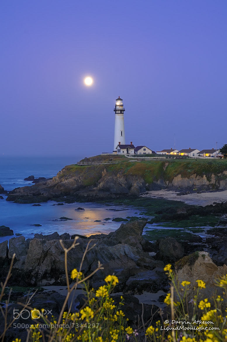 Photograph Super Moonset - Pigeon Point Lighthouse  by Darvin Atkeson on 500px