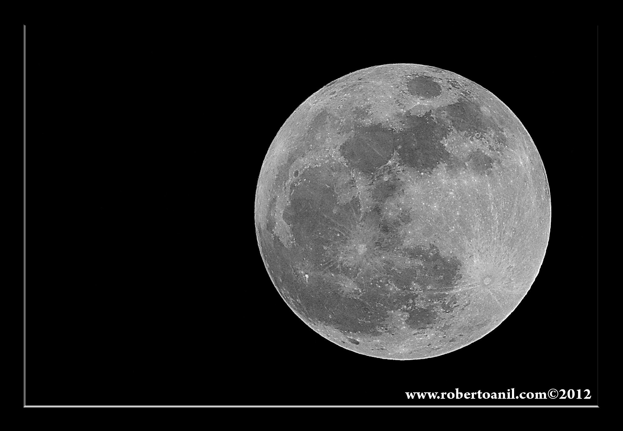 Photograph Super Moon by Roberto Anil on 500px