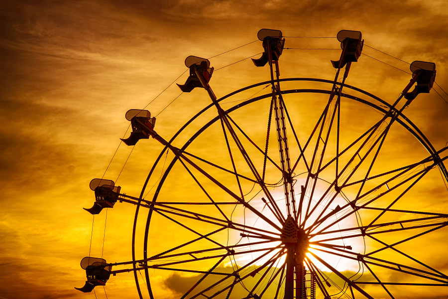 Photograph Silhouette of ferris wheel at sunset by Robert Hainer on 500px