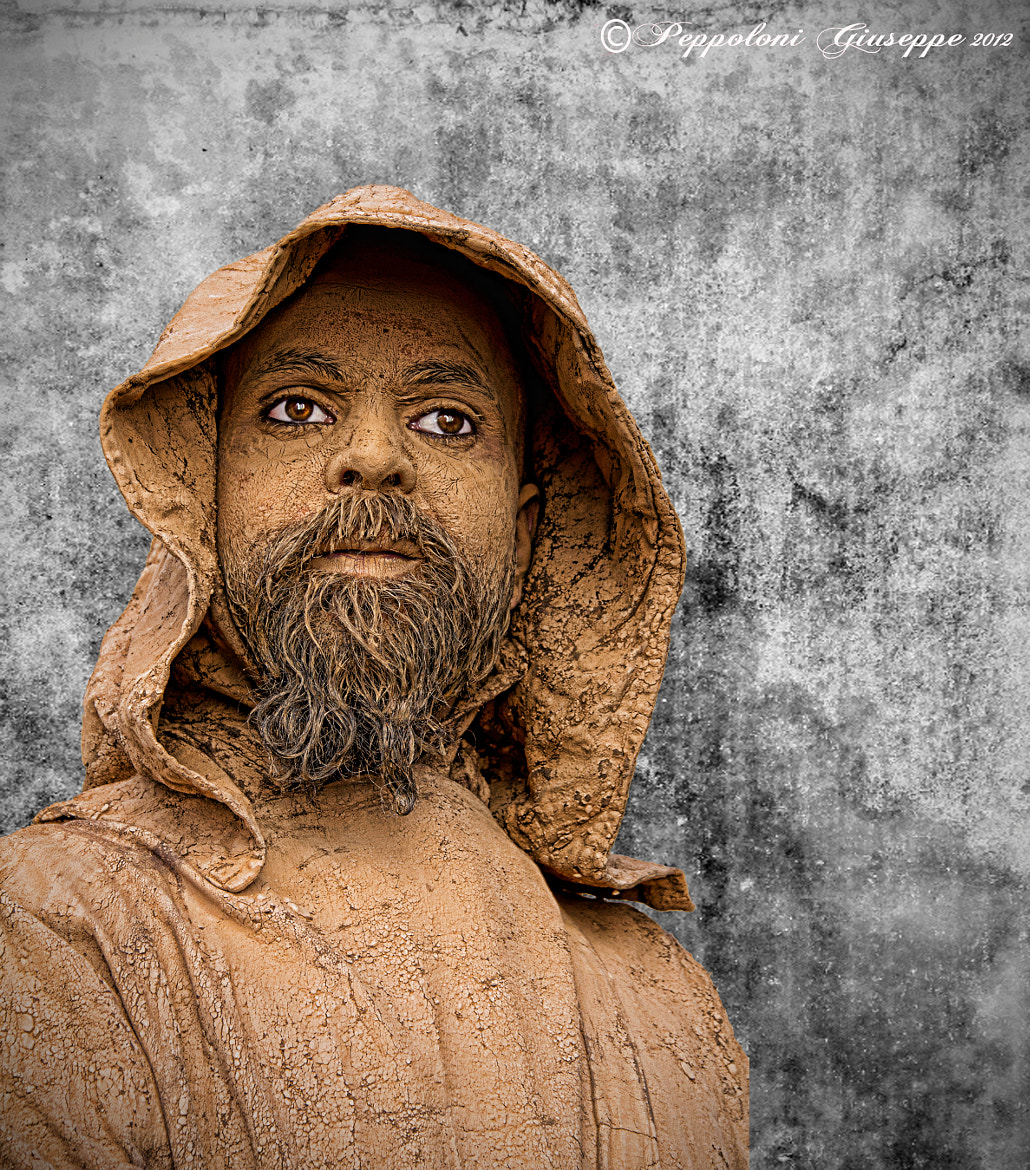 Photograph The living statue by Giuseppe  Peppoloni on 500px