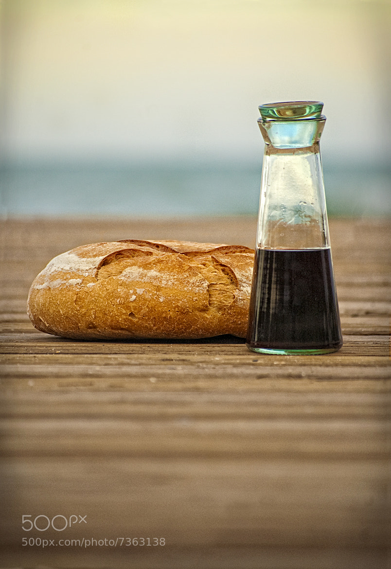 Photograph Bread and Wine by Joel Peirat Montañés on 500px
