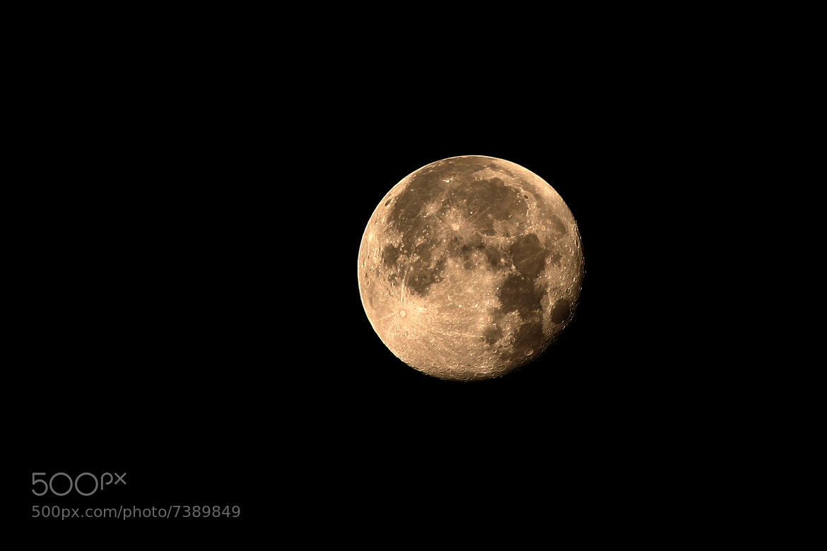 Photograph Super moon by Alfredo Garciaferro Macchia on 500px