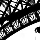 Постер, плакат: Eiffel Tower Abseiling