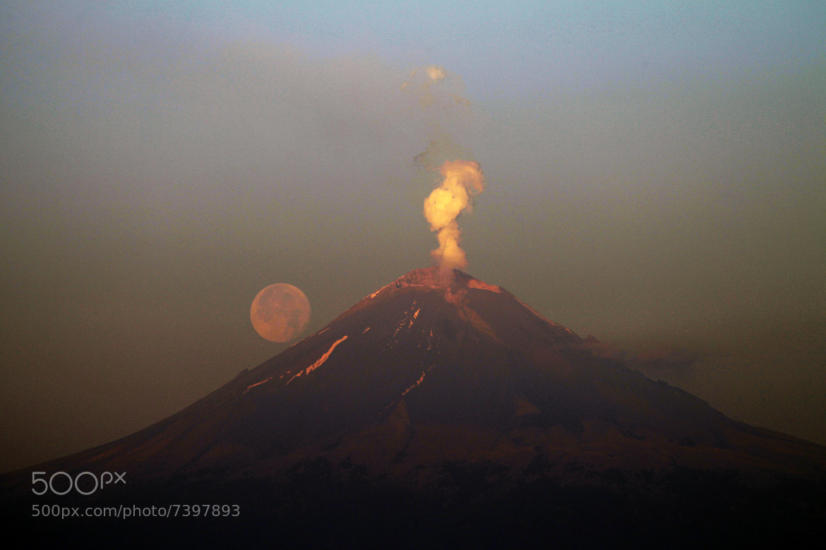 Photograph Super moon and volcano by Cristobal Garciaferro Rubio on 500px