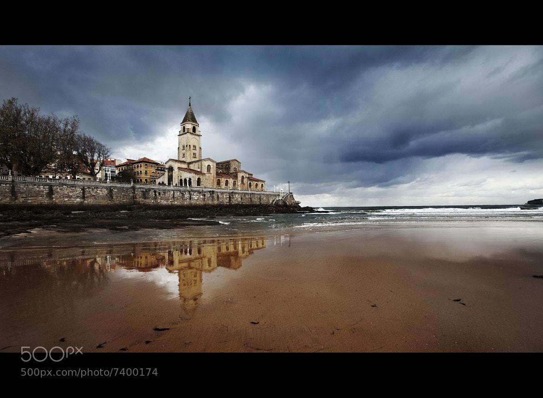 Photograph Playa de San Lorenzo by Javier Bragado on 500px