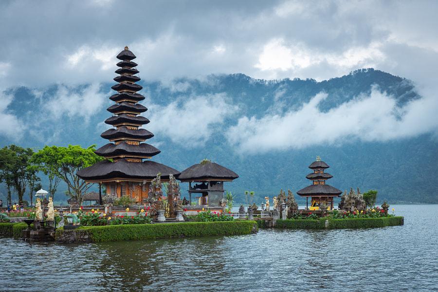 Pura Ulun Danu Bratan Temple in Bali by justin t on 500px.com