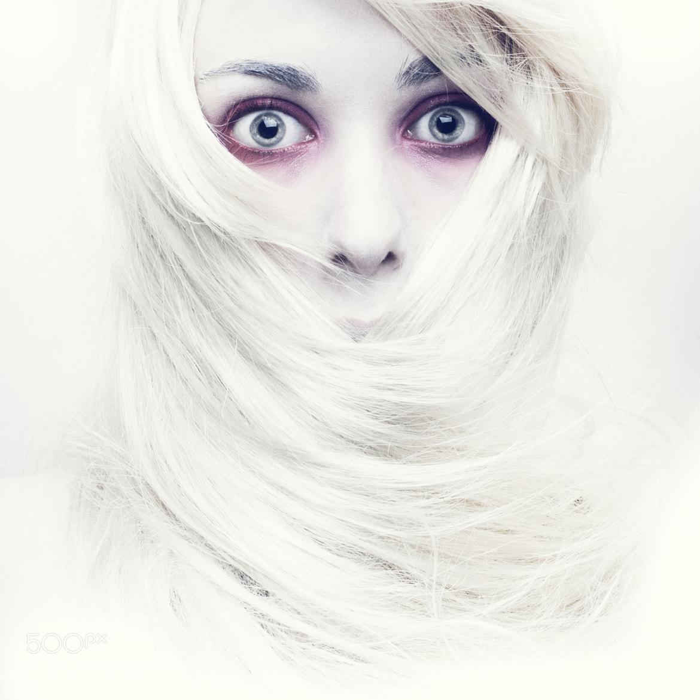 Photograph white by Elisaveta Leeciell on 500px