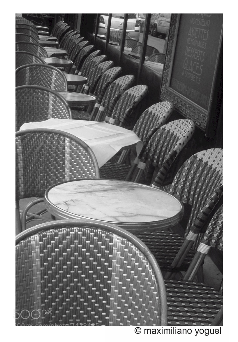 Photograph Paris cafe by Maximiliano Yoguel on 500px