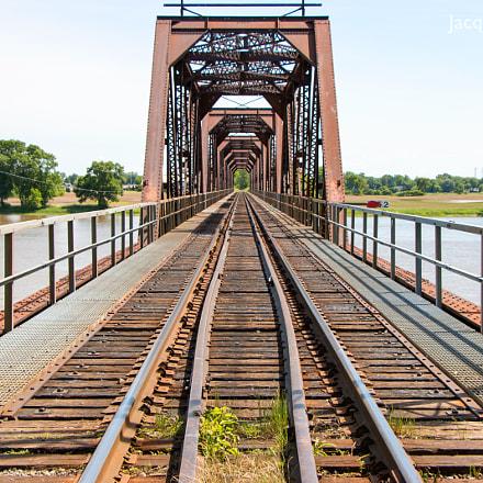 Long train bridge