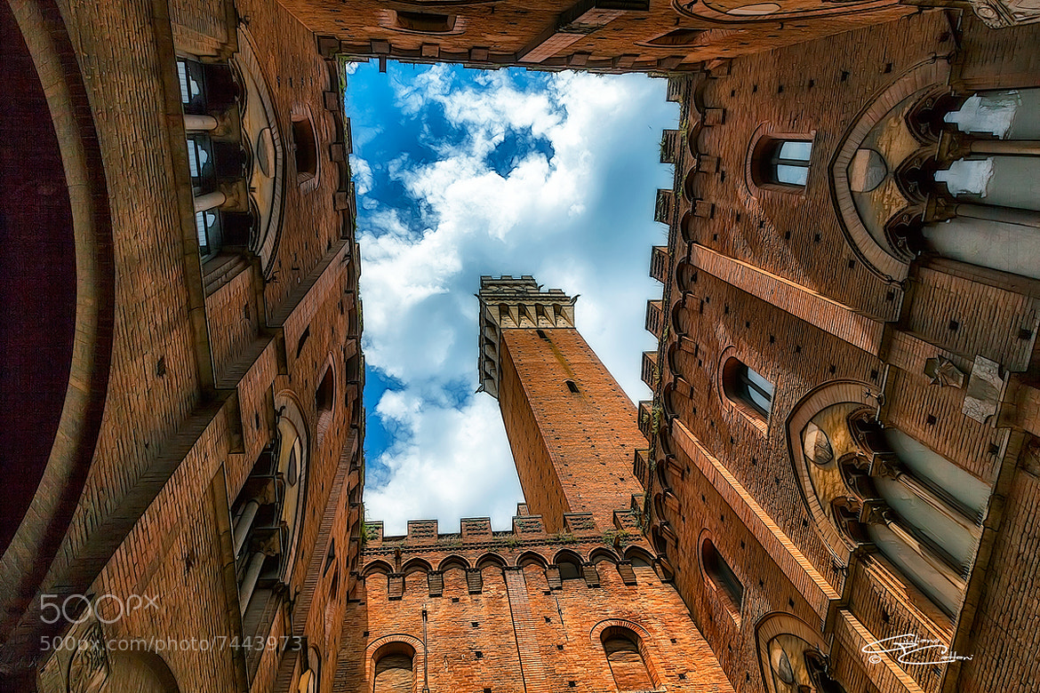 Photograph Torre del Mangia - Siena by Giuliano Cattani on 500px