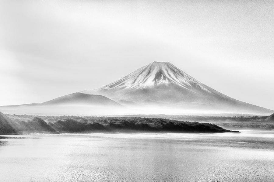 水墨画の富士