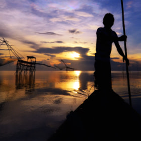 Fishermen in southern Thailand. by Auttapon Nunti (ZaricK)) on 500px.com