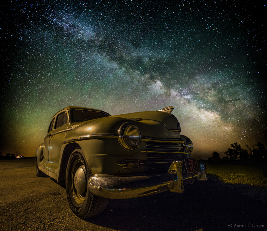 28 Timeless Images of Time-worn Old Cars