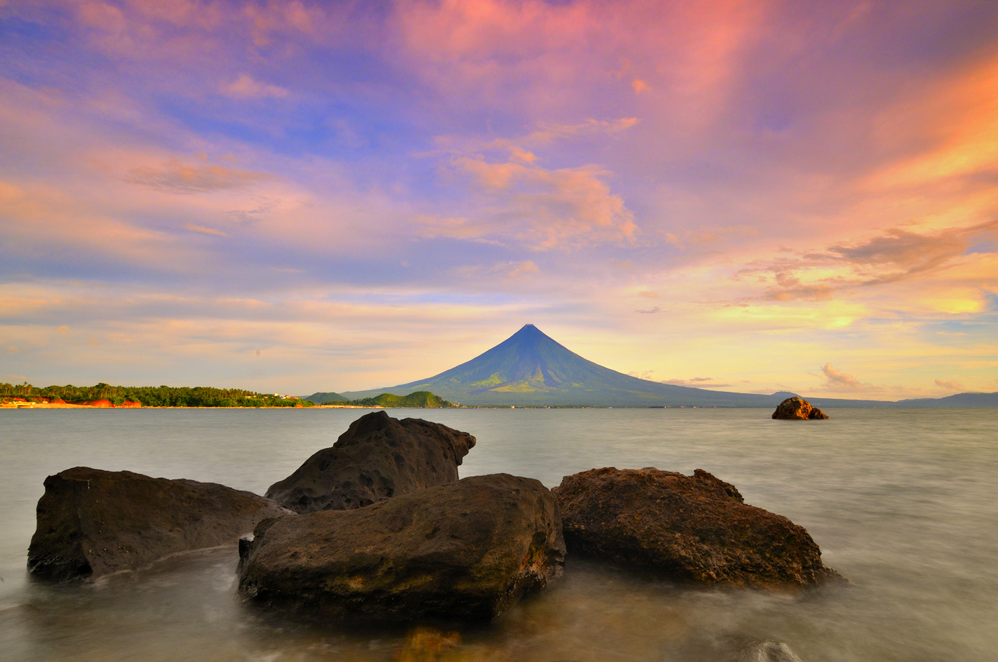 Photograph C o l o u r s by Dacel Andes on 500px