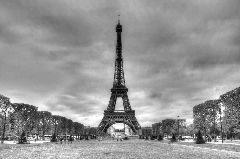Photograph Eiffel Tower - Paris by Haroldo Braune on 500px